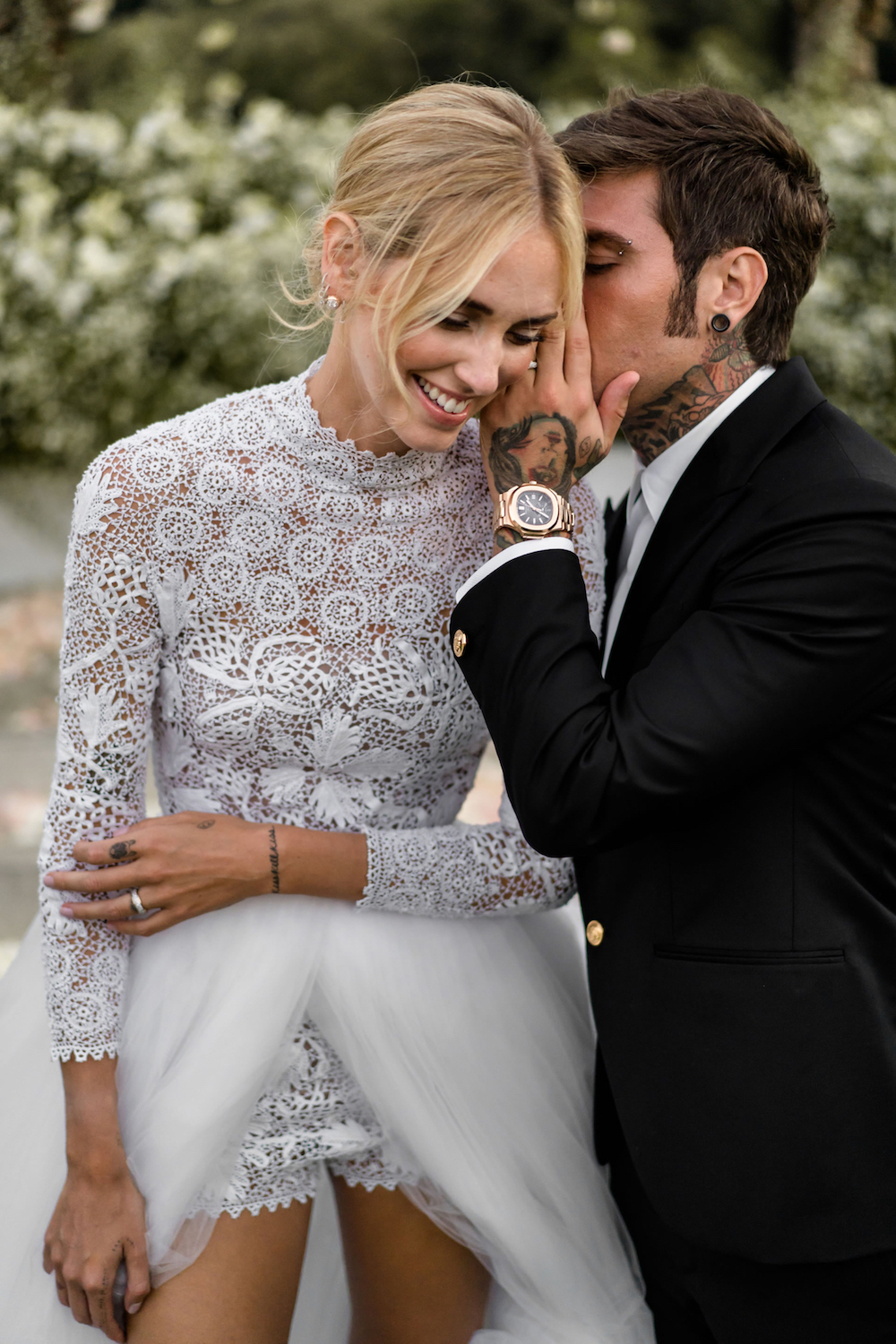 002b8a9d449 ... Chiara walked down the aisle accompanied by her father Marco Ferragni.  Wearing a custom-made Christian Dior Haute Couture dress created by Maria  ...